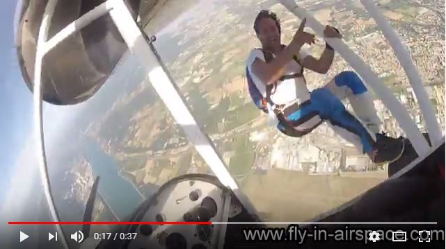 Largage parachutiste ULM Multiaxe