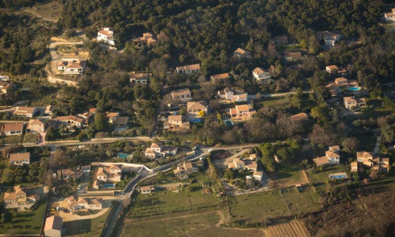 vue-aérienne-de-villas
